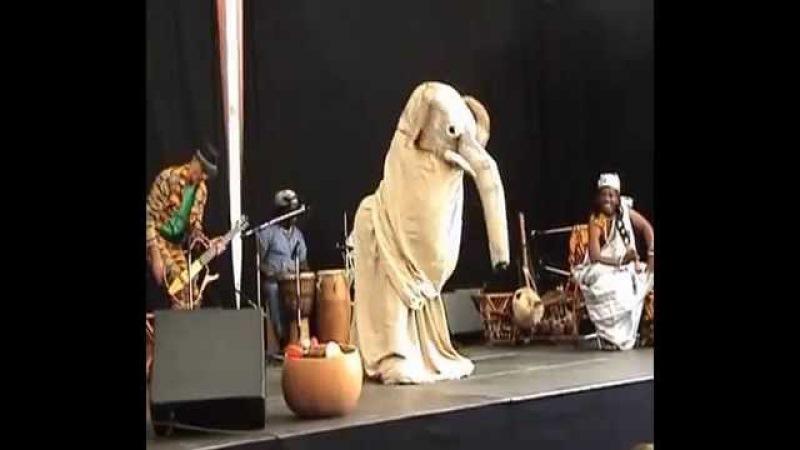 Ich bin ein Elefant - Adesa / Ghana - Performance Sommer 2013 - Tollhaus