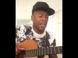 Júlio Baptista cantando