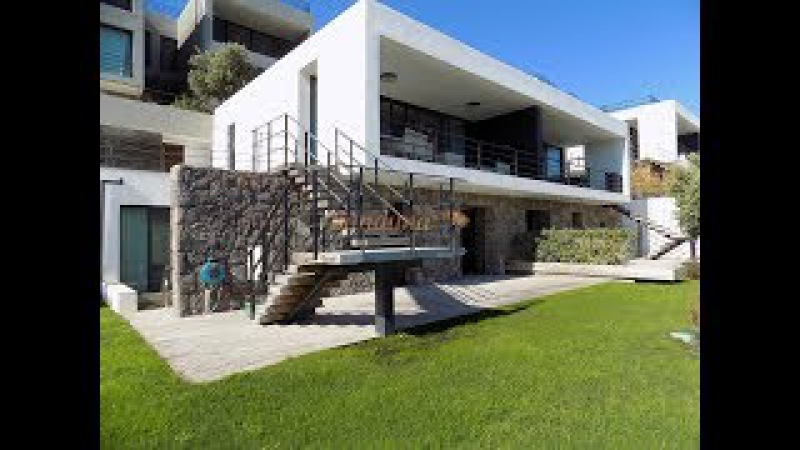 Bodrum Yalıkavakta Denize Sıfır Sitede Deniz Manzaralı Havuzlu Bahçeli 41 Villa