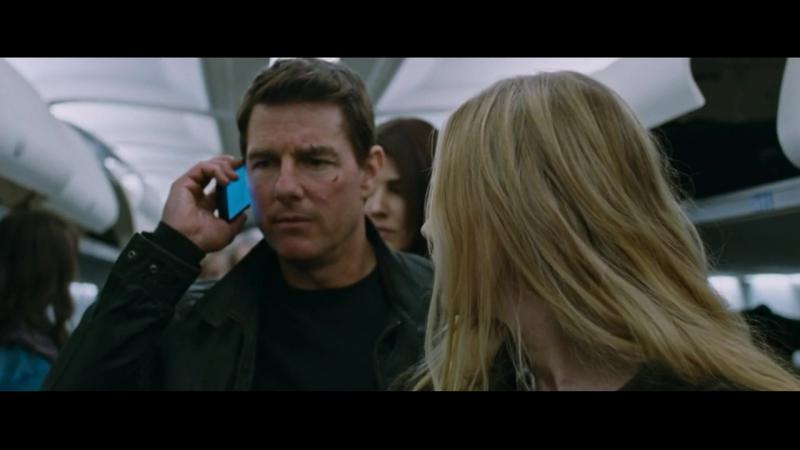 Джек Ричер 2. Ричер вырубает наёмников в самолёте.Разговор с Охотником