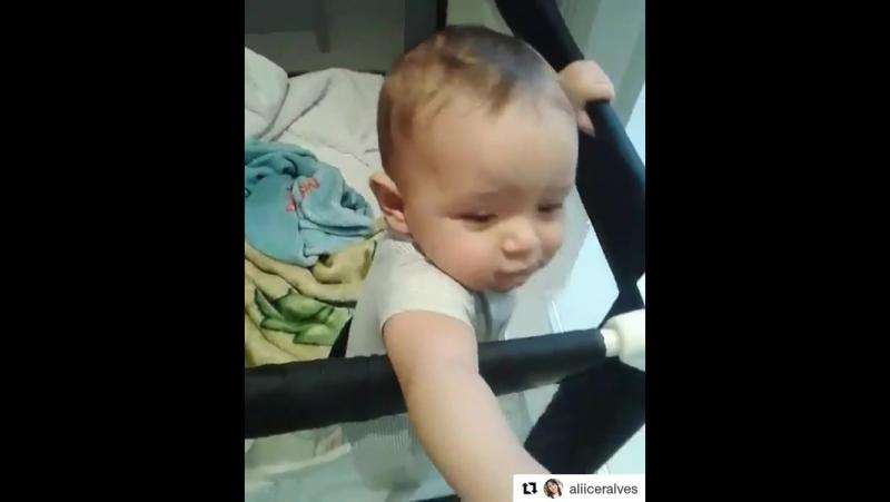 малыш скромняшка)