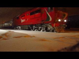 Тепловоз ТЭП70БС-178 с поездом №80 Калининград-С.Петербург