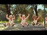 Все танцуют локтями)))