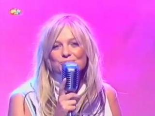 Emma Bunton - Free Me (Live @ SMTV 22-05-2003)
