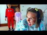 Bad Baby Freak Mummy Мама сошла с ума Крадет конфеты и жвачки Родители стали детьми Kids pranks