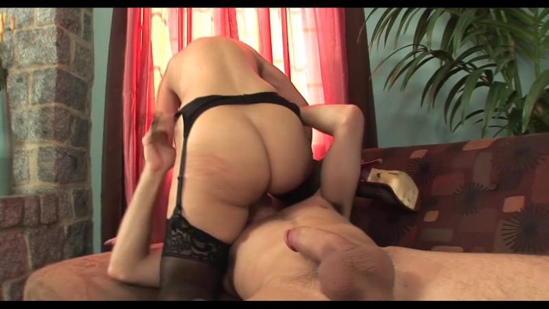 Мама мощно кончает на члене сына, hot horny mature stockings woman orgasm mom incest porn fuck (Инцест со зрелыми мамочками 18+)