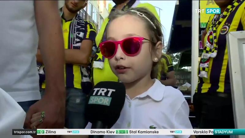 Kulübümüz, Trabzonsporlu bir baba ve Fenerbahçeli görme engelli kızını Trabzonspor maçına davet etmiş. 👏👏👏
