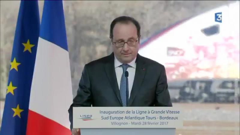 Coup de feu pendant le discours de François Hollande à Villognon lors de linauguration de la LGV Tours Bordeaux