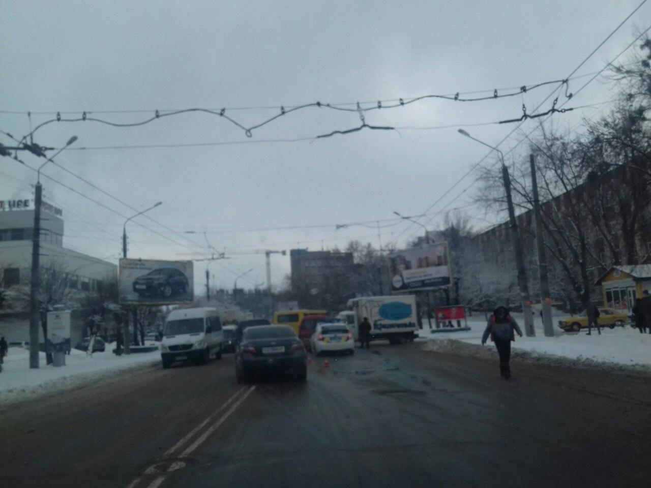 ДТП на Героїв Майдану: рух ускладнений (ФОТО)