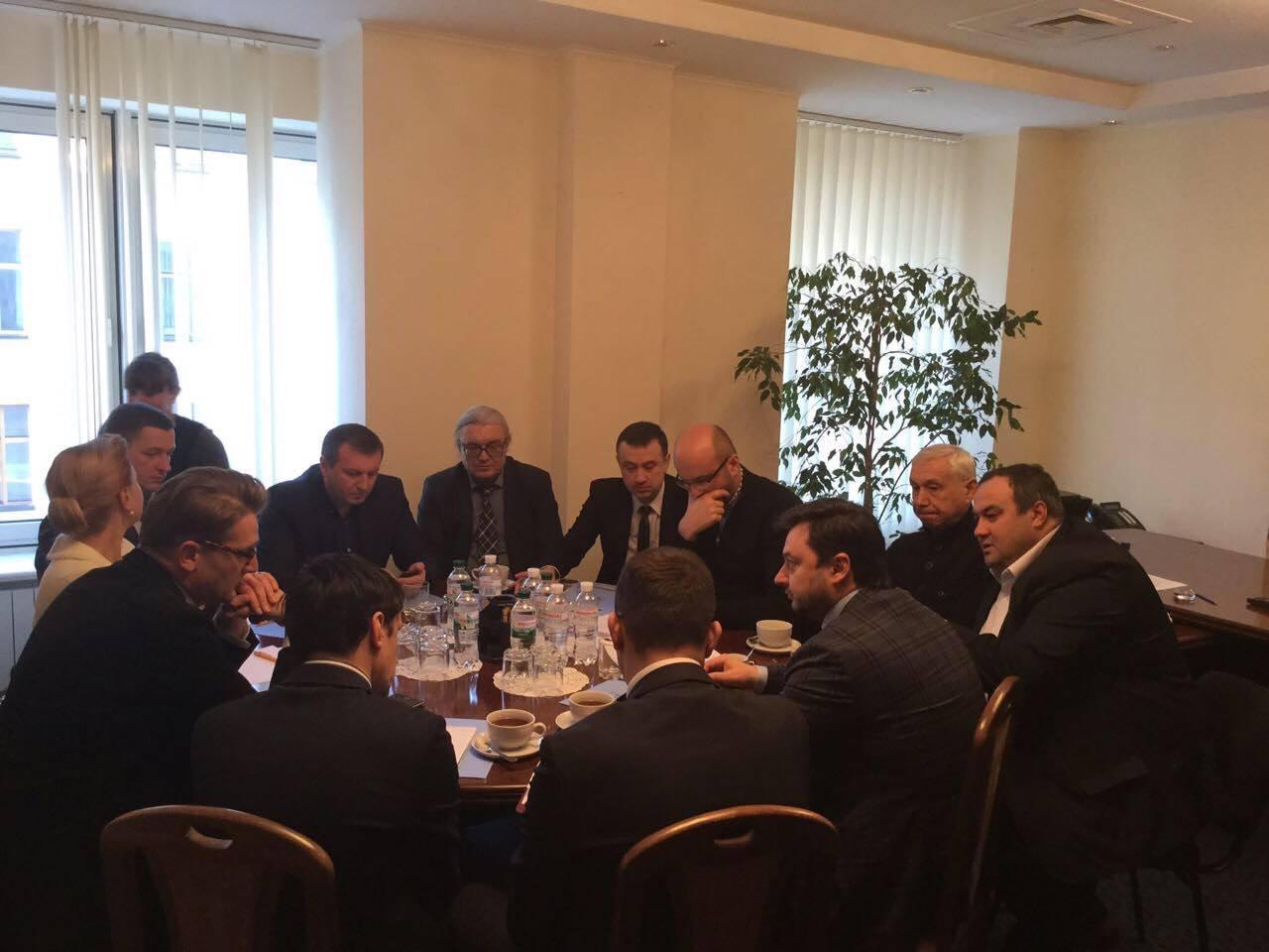 """Нардепи """"Буковини"""" зустрілися з Надзвичайним і Повноважним Послом Румунії (ФОТО)"""