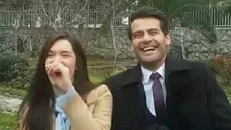 Ömer Ve Zehra Cifti Dizi'de Yapamadıkları Kahkaların Kamera Arkası Doya- Doya Tadını Cıkarır