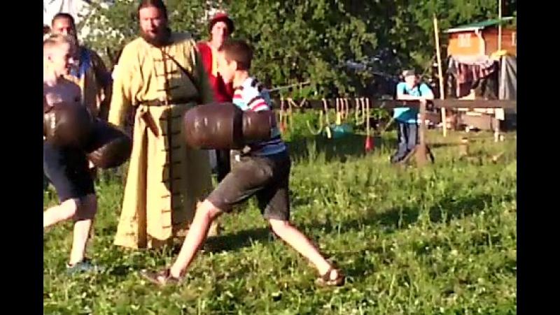 кулачный бой дети номер 2 Грушенский фестиваль 2017г