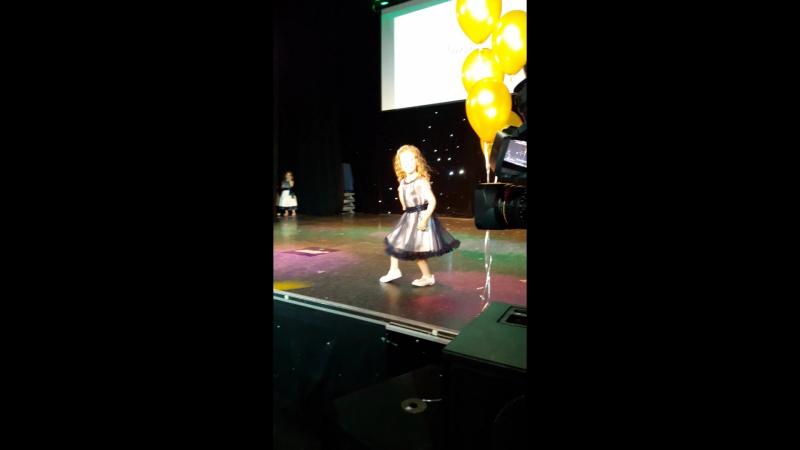Детский конкурса красоты и талантов MINI MISS ROYAL 2016 магазин Viani
