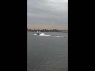 Первый спуск водометного катера