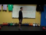 Упражнение №3 — Выпады с гирей На первый взгляд, это упражнение кажется простым, но это совсем не так. Делать выпады с гирей н