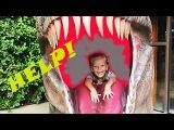 ШОК Анечка в пасти динозавра SHOCK Anya in the jaws of a dinosaur Планета динозавров ЧАСТЬ 3