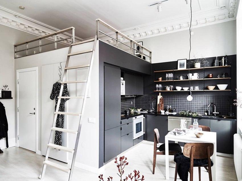 Квартира-студия 29 м с кроватью-чердаком над санузлом.