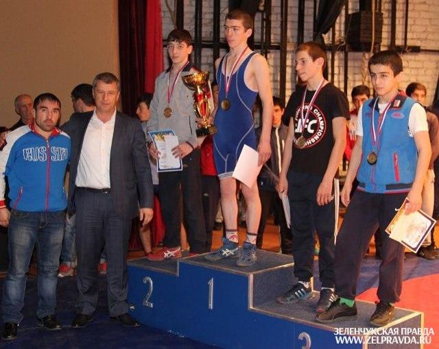 Борцы из Сторожевой призеры республиканского турнира на призы Рауля Арашукова