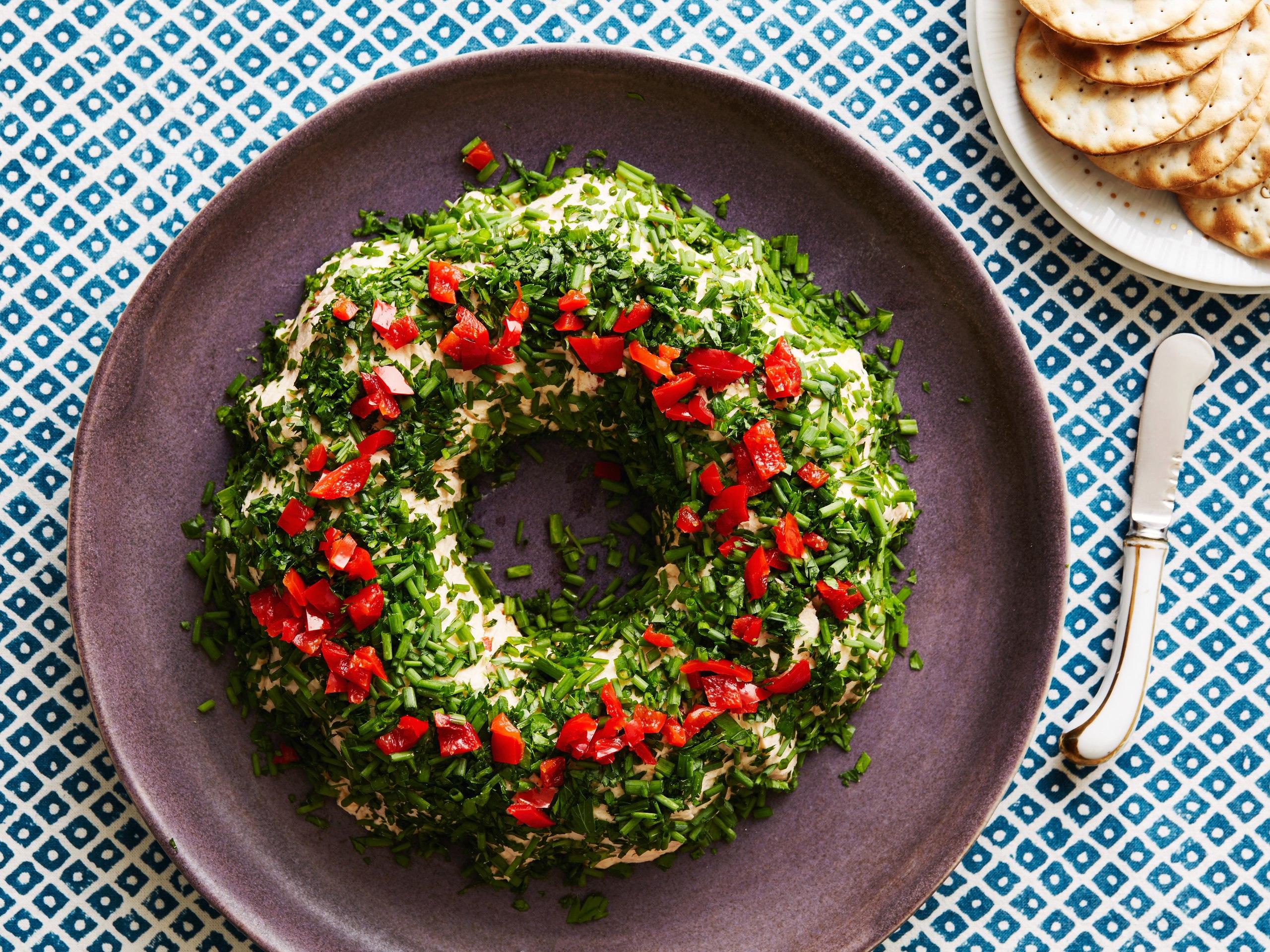 Топ-6 ідей, як швидко прикрасити свої страви до Нового року (ФОТО)