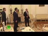 «Строгая собака» Путина по кличке Юмэ облаяла японских журналистов