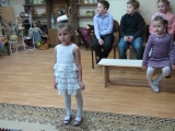 Лера солирует, занятия в фольклорном кружке