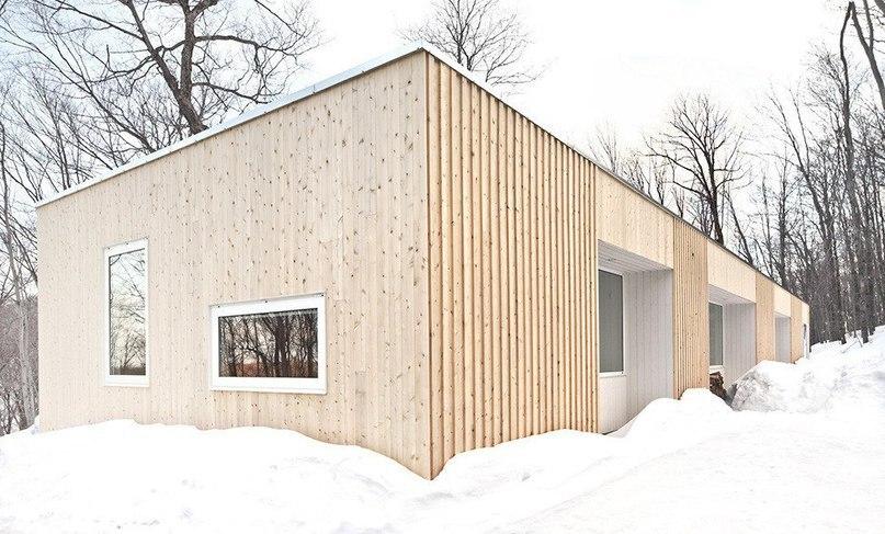 Деревянный дом в канадском лесу  Студия la SHED