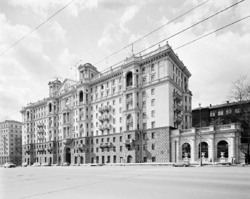 С жилым домом МГБ связан удивительный исторический