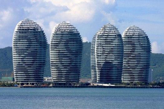 Китайские СМИ показали самые странные здания, которые