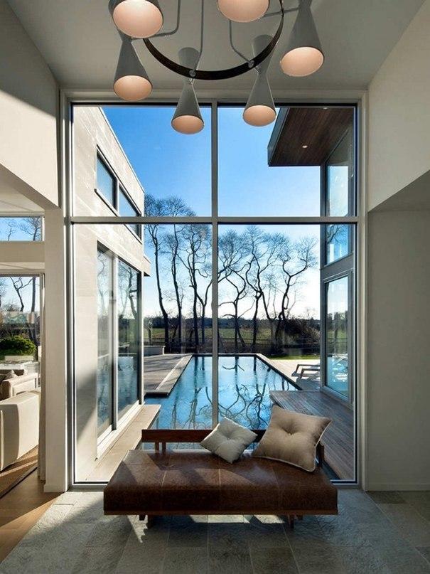 Загородный дом площадью 4000 кв.футов в виде