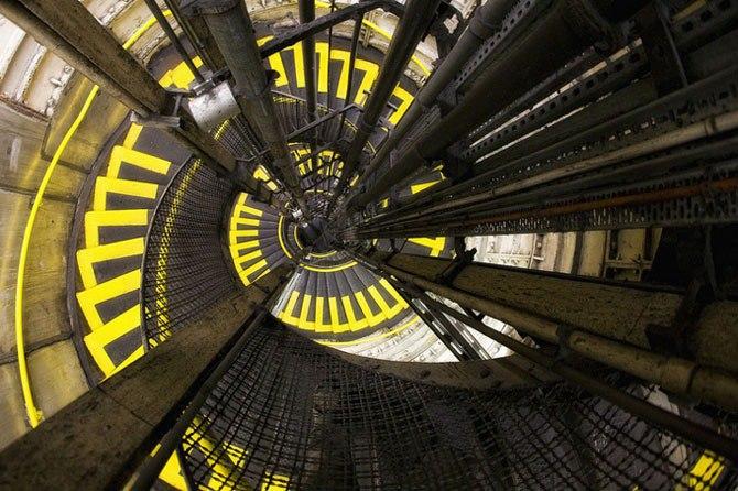 Удивительные фотографии лестниц.Нильс Айсфельд – 29-летний фотограф