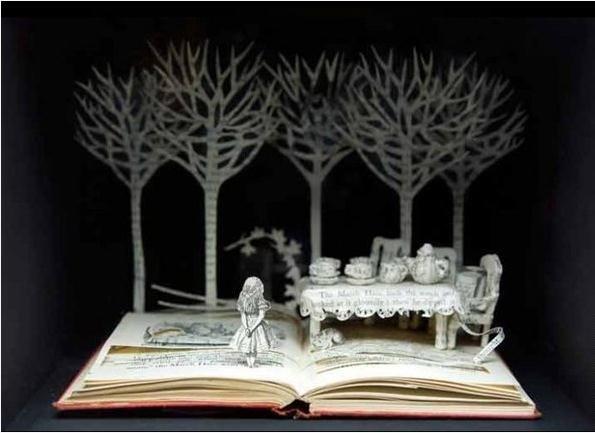 Сказочный мир из бумаги от Сью Блэквелл.