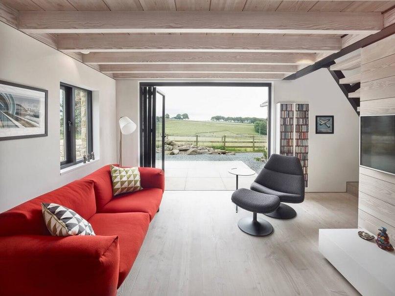 Contemporary Reinterpretation of Traditional Chalet: Hocker Farm