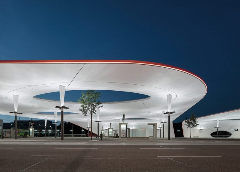 Shell-like roofs provide shelter at Pforzheim Central