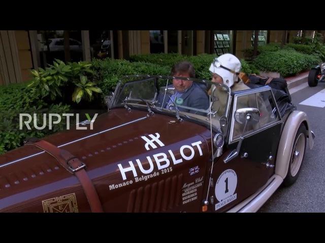 Франция: Старинные автомобили и родственники царей - аристократы стартуют в Санкт-Петербурге.