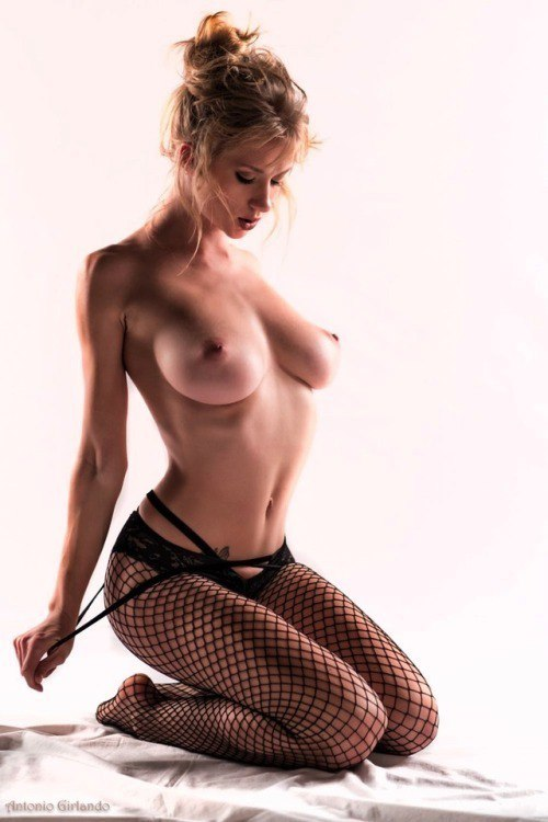 Outie navel fetish videos