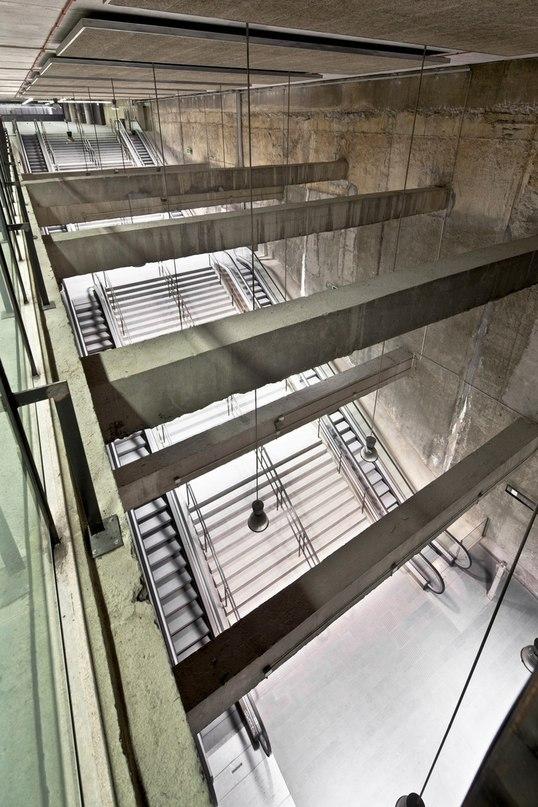 Часть 2. Три станции метро в Барселоне
