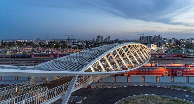 Beersheba station bridge in Israel is shaped