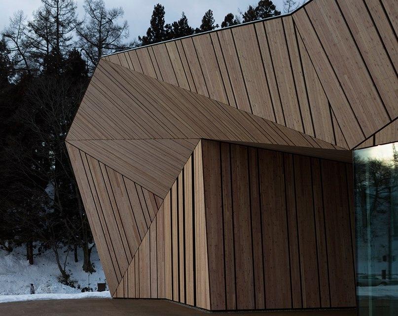 Один из самых известных японских архитекторов Кенго