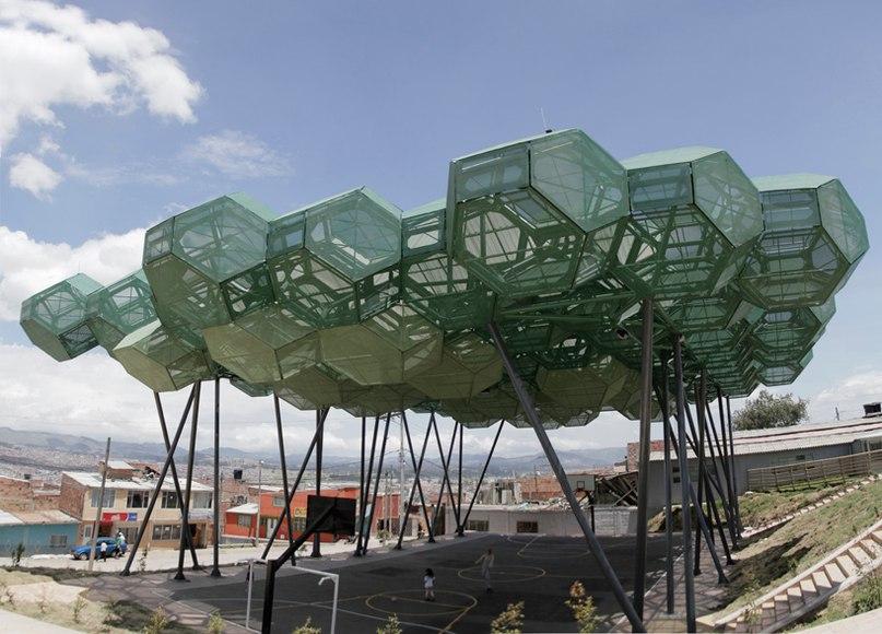 В окруженном трущобами городе Богота, столице Республики