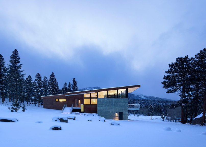 Arch 11 completes Rocky Mountain home atop