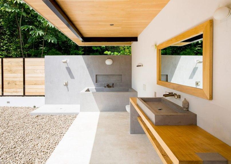 Movable wooden walls front Benjamin Garcia Saxe's