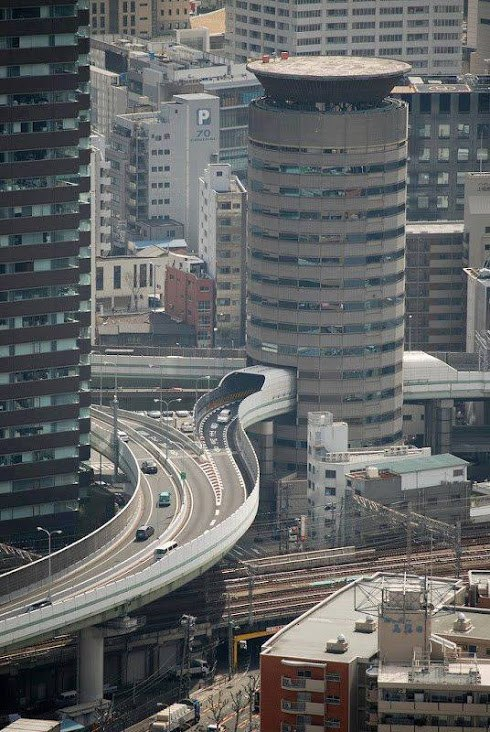 Одно из самых интересных зданий в Японии