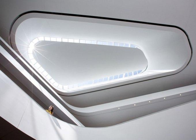 Архитектурное бюро Bing Thom Architects создали необычную