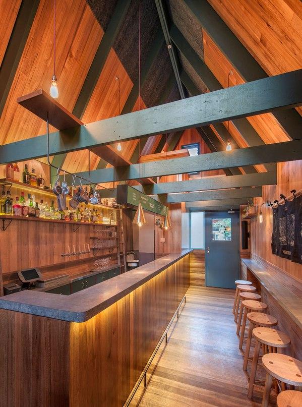 Австралийская архитектурная студия Sans-arc встроила бар в