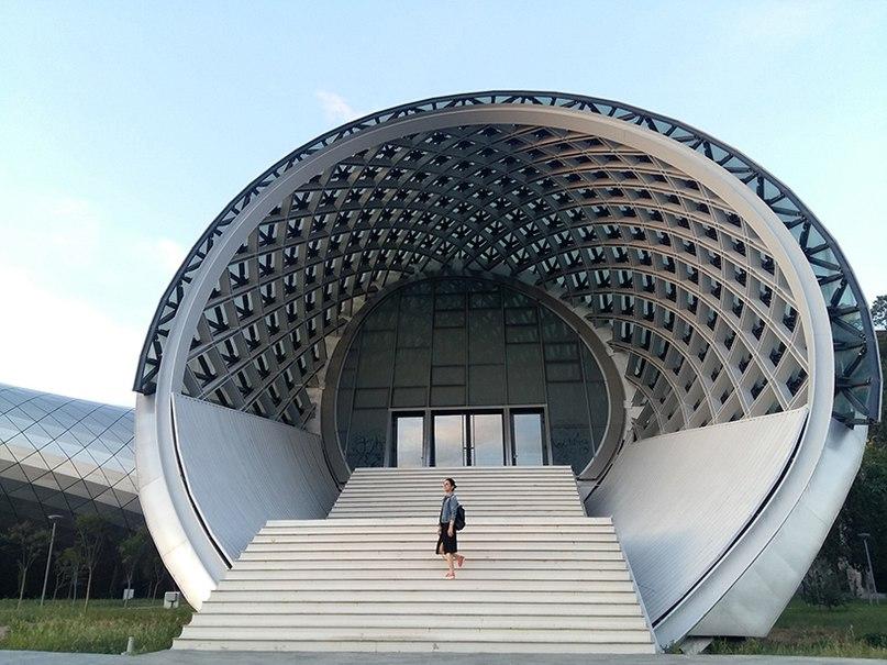 В Тбилиси завершено строительство необычного культурного комплекса