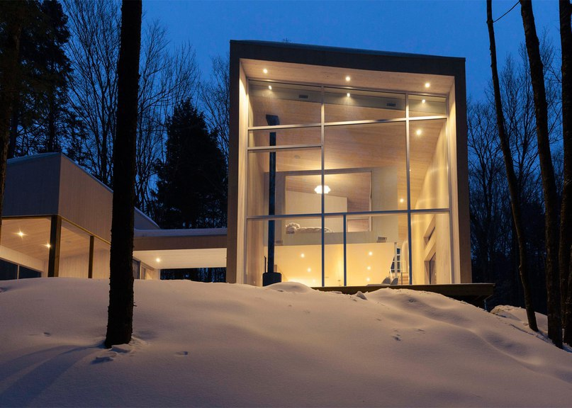 Pierre Thibault creates compact and light-filled house