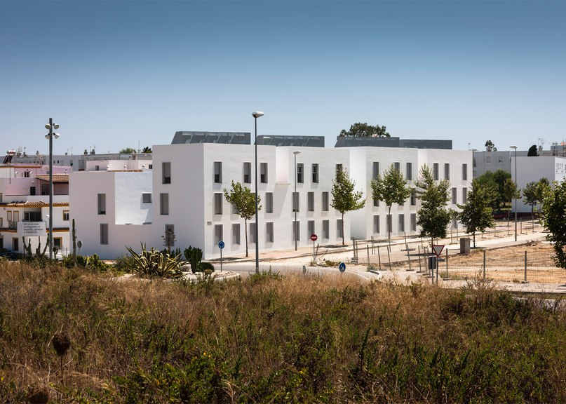 Kauh completes housing complex in Spain with