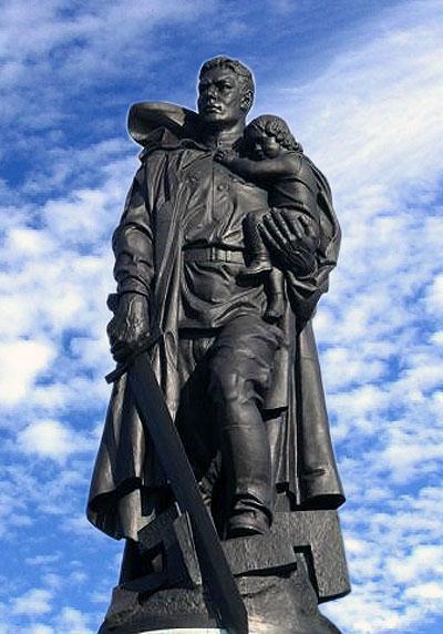 Самые известные памятники и мемориалы посвященые Второй