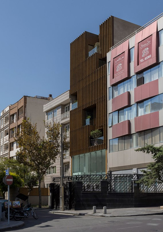 LP2 completes Tehran office block with louvred