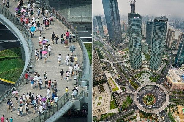 Круглый пешеходный мост в Шанхае